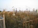 Opuszczony cmentarz rosyjski położony jest obok cmentarza polskiego.