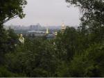 Widok na lewą stronę Dniestru z ogrodu botanicznego. Był tam festyn ludowy z okazji 9 maja - postsowieckiego święta, z którym na Ukrainie nie bardzo wiadomo co zrobić, choć jest powszechnie obchodzone